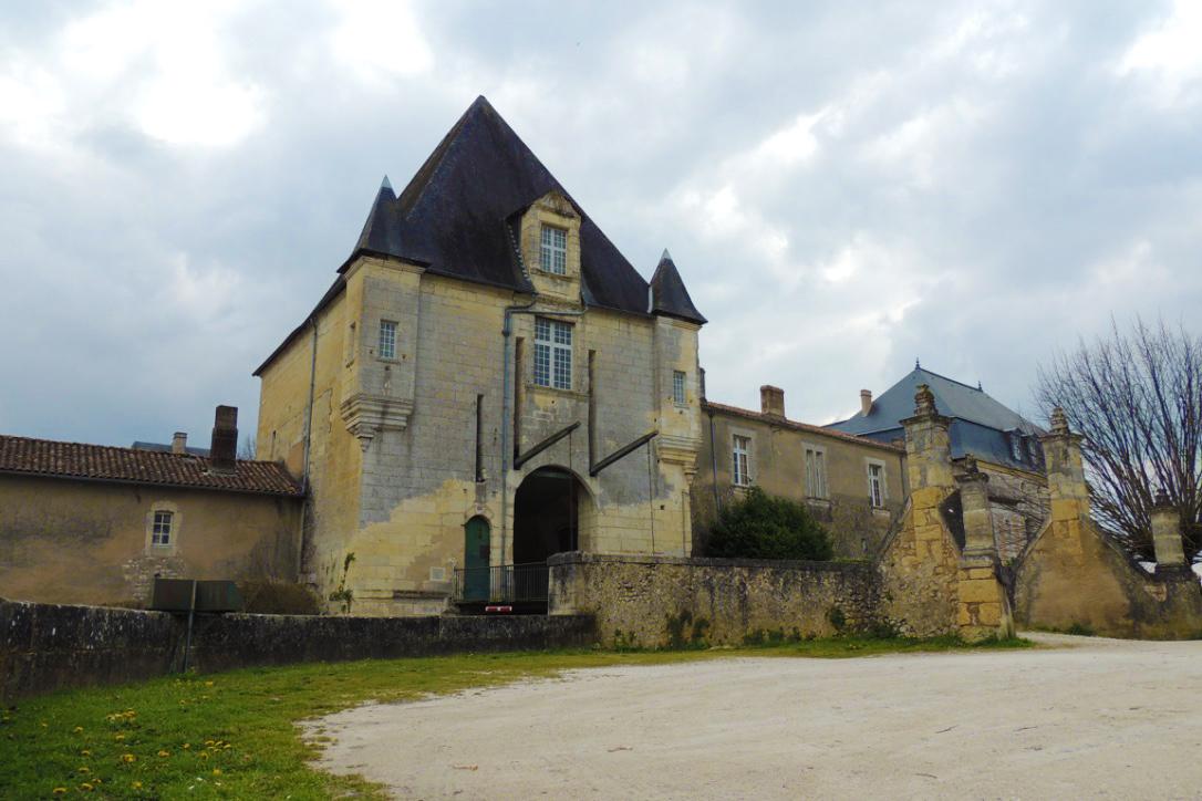 chalais chateau